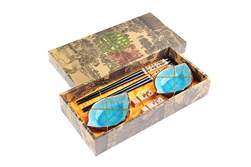 Eßstäbchen-Set Panda aus geschnitzem Holz, Stäbchenhalter, Keramik-Schälchen in Geschenkschachtel (Paar Stäbchen, 2 Halter, 2 Schälchen), Mod. CBS-S2-G-H01 (DE) ()