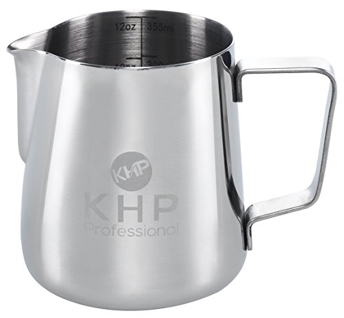 Milchkännchen 350ml von KHP Professional, perfekt für Milchaufschäumer, aus rostfreiem Edelstahl, Milch aufschäumen, silber, Milchkanne, Cafe Art, Milchschaum, Aufschäumkännchen