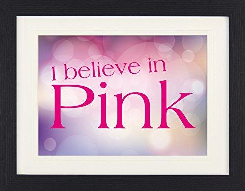 1art1 114324 Audrey Hepburn - I Believe In Pink Gerahmtes Poster Für Fans Und Sammler 40 x 30 cm