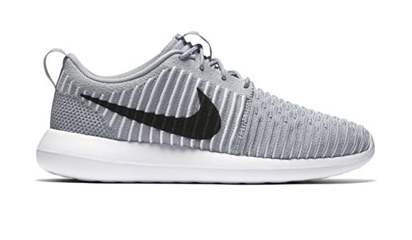 77d2885b72bf9 NIKE Men s 844833-002 Fitness Shoes