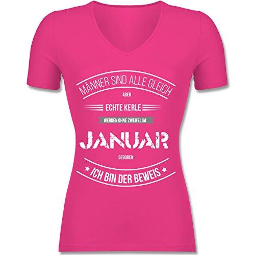 Shirtracer Geburtstag - Echte Kerle Werden IM Januar Geboren - Tailliertes T-Shirt mit V-Ausschnitt für Frauen Fuchsia