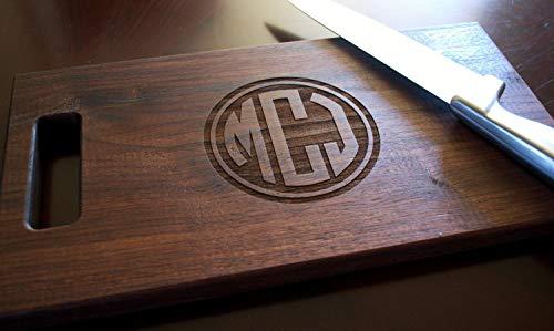 CELYCASY Personalisiertes Holz-Schneidebrett mit Kreis-Monogramm