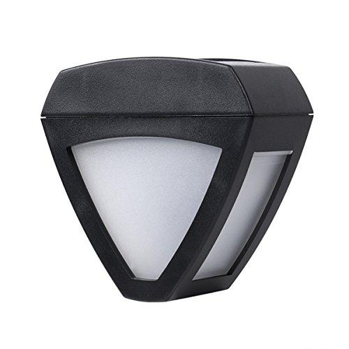 foco-solar-impermeable-led-sin-cable-y-con-sensor-de-luz-para-exteriores