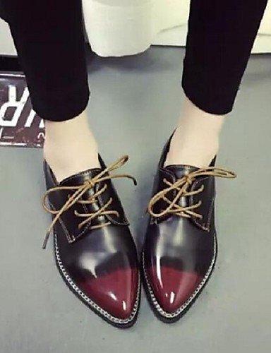 ZQ hug Scarpe Donna-Sneakers alla moda-Tempo libero / Casual-Comoda / A punta-Piatto-Finta pelle-Nero / Rosso / Argento , silver-us8 / eu39 / uk6 / cn39 , silver-us8 / eu39 / uk6 / cn39 red-us7.5 / eu38 / uk5.5 / cn38