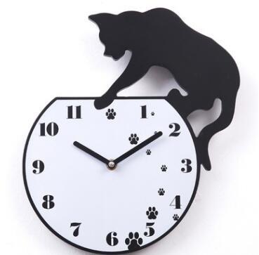 Black Cat Pfotenabdrücke in den kleinen Fischen Katze Badewanne stummen Kinder Zimmer Dekoration Wand Uhr wc1063