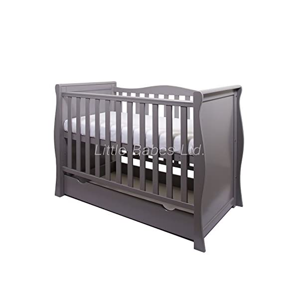 New Pinewood Grey Sleigh Mini COT Bed & Drawer ONLY LITTLE BABES LTD GREY SLEIGH MINI COT BED WITH DRAWER ONLY, NO MATTRESS INCLUDED *COMPLIES WITH CURRENT BRITISH & EUROPEAN STANDARDS BS EN 716-1: & 2:2008 + A1:2013* MINI COT BED FEATURES: -quality pine wood, -converts to junior bed and sofa, - 3 position mattress base, - teething rail on one side only, -one curved side, -strong base, -underneath drawer on runners included. 2