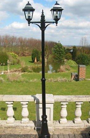 garden-lighting-victorian-style-double-headed-garden-lamp-post-22m
