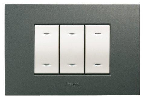 legrand-682616-vela-quadra-placca-antracite-3-moduli