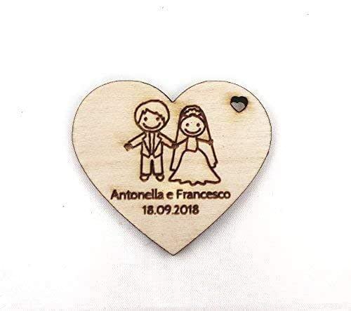 Artigianeria - Set di n°10 (o più) pezzi. Cuore in legno personalizzato con nomi e data. Ideale come bomboniera o segnaposto per matrimonio.