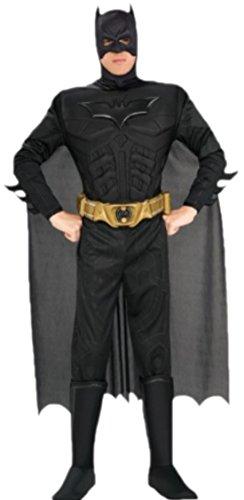 erdbeerloft - Herren Kostüm Batman mit Muskel-Jumpsuit, Überziehstiefeln, Kopfteil, Umhang und Gürtel, XL, Weiß