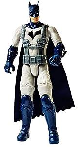 DC BATMAN MISSIONSTM Figura básica 30cm, Batman con traje de armadura (Mattel FVM75)