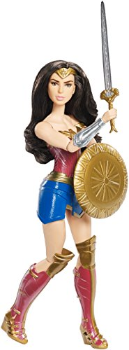 DC Comics FDF39 Wonder Woman Shield Deluxe Muñeca