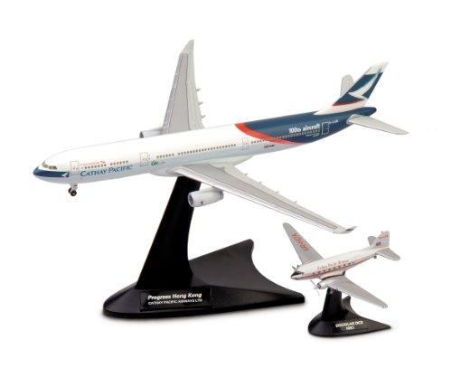 herpa-562089-cathay-pacific-airways-set-douglas-dc-3-airbus-a330-300-niki-et-progress-hong-kong