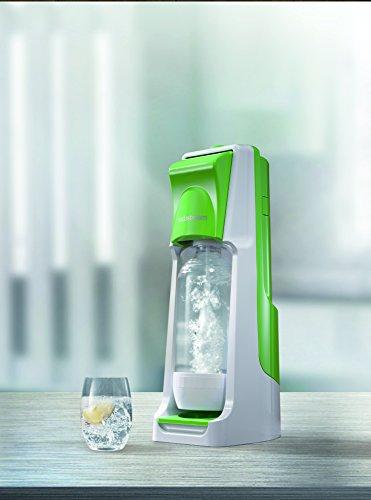 SodaStream Wassersprudler Cool  mit dem Sprudler Cool ohne schleppen aus Leitungswasser prickelndes Sprudelwasser machen! (mit 1 x CO2-Zylinder 60L und 2 x 1L PET-Flaschen), grün -