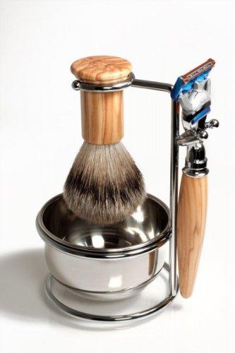 RAZZOOR 4-teiliges Rasierset Olivenholz für Gillette FUSION Rasierklingen - Rasierpinsel Set Dachshaar Silberspitz für die Nassrasur + Halter mit Schale, glanzverchromt