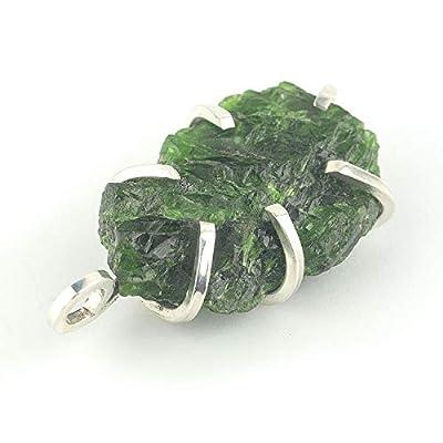 """Pendentif en cristal vert de diopside de chrome brut de Russie serti d'argent 925, 30x21x10 mm (1.18x0.83x0.39"""") env."""
