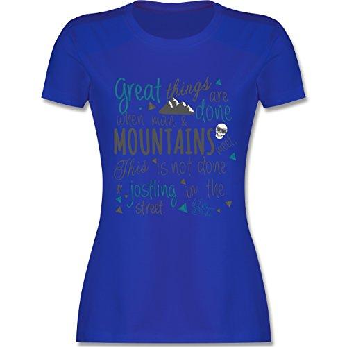 Après Ski - Great things happen Mountain - tailliertes Premium T-Shirt mit Rundhalsausschnitt für Damen Royalblau