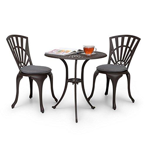 Blumfeldt Valletta • Bistro-Set • Sitzgarnitur • Gartengarnitur • Sitzgruppe • 1 Bistrotisch • 2 Bistrostühle • Druckguss-Alu • ornamentverziert • witterungsbeständige Beschichtung • für innen und außen • gepolsterte Sitzkissen aus PU-Schaum • braun