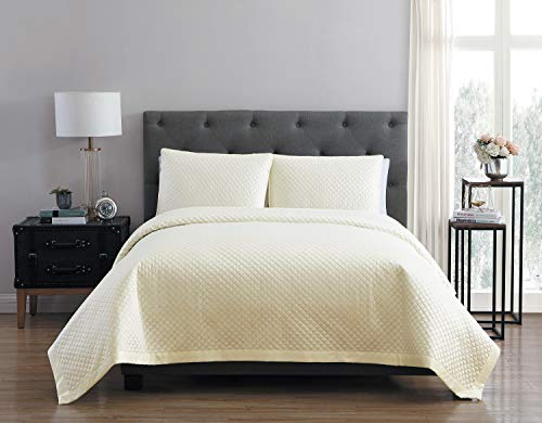 VCNY Home Adrianna Charmeuse 3Piece Quilt-Mars King Set, Marshmellow -