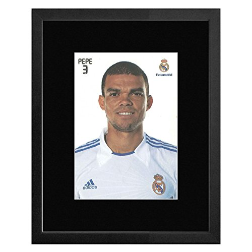 Stick It On Your Wall Real Madrid FC - 3 Pepe gerahmtes Mini Poster - 22,7 x 17,5 cm