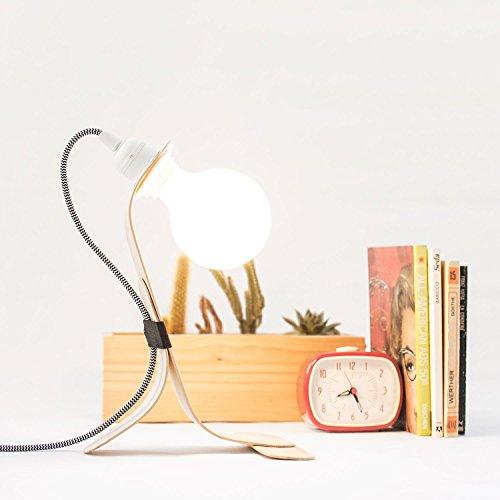 lampara-de-sobremesa-de-madera-curvada-estilo-nordico