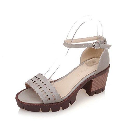 AllhqFashion Damen Mittler Absatz Pu Leder Weiches Material Schnalle Sandalen Grau jGev2