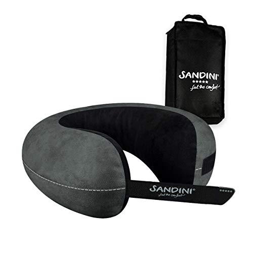 Sandini TravelFix® Slim Size - Premium Reisekissen mit Verschluss/Nackenkissen mit ergonomischer Stützfunktion - Gratis Transporttasche mit Befestigungs-Clip