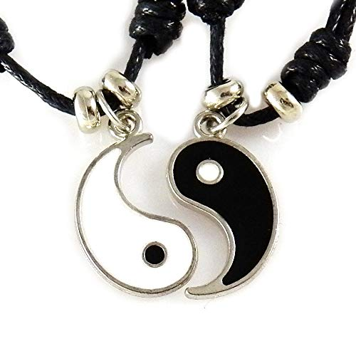 f03bd7d21a1d AKIEE Yin Yang Necklace for Men Women Boys Girls Adjustable Pendant Taichi  Necklace Couple Best Friends