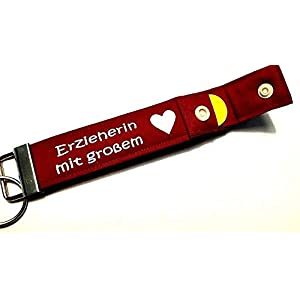 ERZIEHERIN MIT GROSSEM HERZ Schlüsselanhänger mit Chip persönliches Erzieher Geschenk zum Abschied Dankeschön Abschlussgeschenk Abschiedsgeschenk Schlüsselband PERSONALISIERBAR