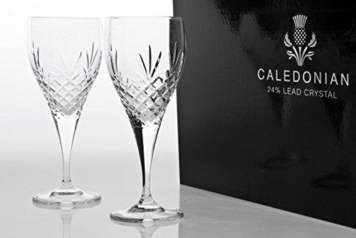 Caledonian Entièrement Cut Cristal 24% plomb Verres à vin blanc x 2 dans une boîte de présentation