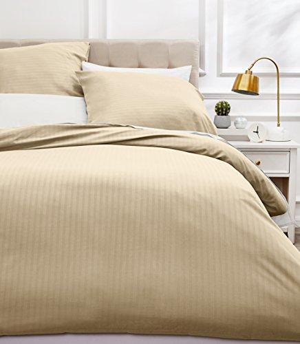 AmazonBasics Parure de lit avec housse de couette haut de gamme avec deux taies d'oreiller, 260 x 240 cm, Gris foncé