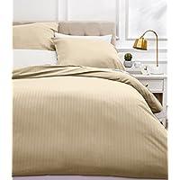 AmazonBasics Parure de lit avec housse de couette haut de gamme avec deux taies d'oreiller, 200 x 200 cm, Beige