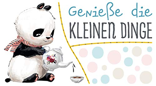 dekodino® Wandtattoo Kinderzimmer Sprüche Panda mit Tee - Genieße kleine Dinge -