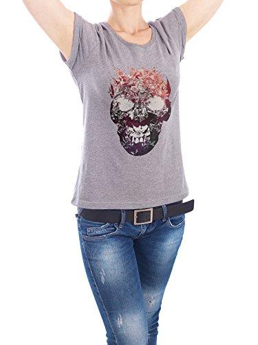 "Design T-Shirt Frauen Earth Positive ""Floral Skull"" - stylisches Shirt Floral Natur von Ali GÜLEÇ Grau"