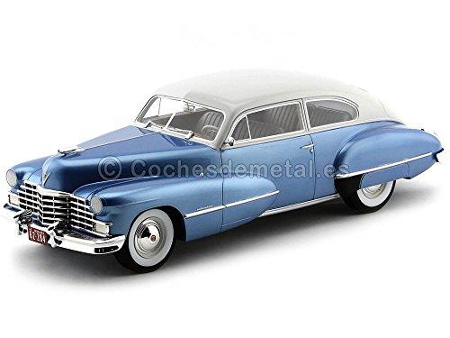 Cadillac Series 62 Club Coupe, metallic-hellblau/hellgrau, 1946, Modellauto, Fertigmodell, BoS-Models 1:18