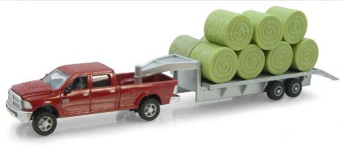 TOMY ERTL Dodge Pickup Druckguss mit Trailer und Ballen, 1: 64-Scale