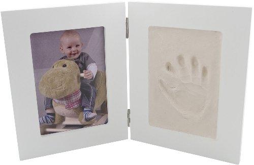 Bieco 641729 - Set completo con portafotografie e un riquadro per le impronte delle manine o dei piedini