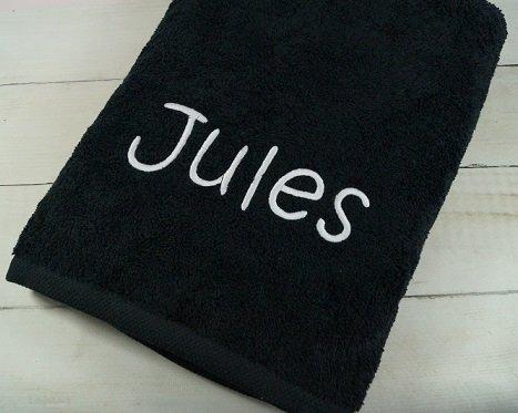 Handtuch mit Namen bestickt Duschtuch Geschenk Handtuch 550 g/m2 (70 x 140 cm, Schwarz)