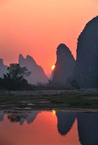 keren-su-danitadelimont-karst-hills-along-the-river-bank-li-river-yangshuo-guangxi-china-photo-print