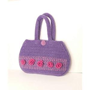 Handtasche gehäkelte Tasche Damenhandtasche Frauentasche gefilzte Tasche Henkeltasche lila mit Blumen aus hochwertiger Wolle.