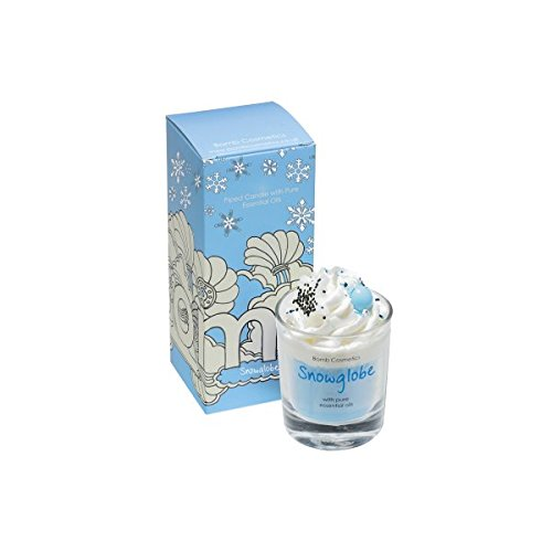 Bomb Cosmetics Snowglobe Piped Glass Candle - Candela in Vetro alla Mela, Zenzero e Cannella - Durata: 35h