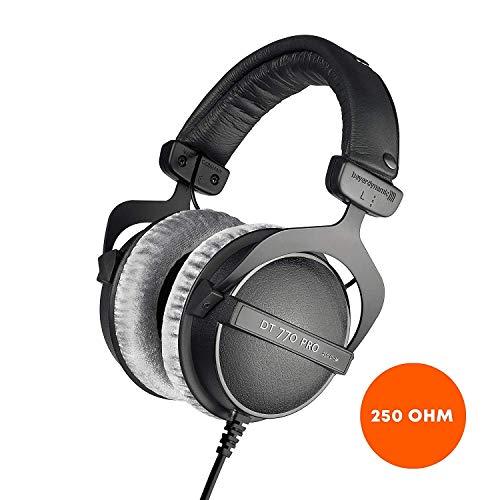 beyerdynamic DT 770 PRO 250 Ohm Over-Ear-Studiokopfhörer in schwarz. Geschlossene Bauweise, kabelgebunden für Studioanwendung ideal zum Abmischen im Studio thumbnail