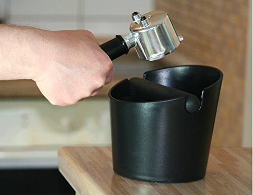 Wenburg Abschlagbehälter/Knock box (15 cm), groß, für Siebträger Kaffeemaschinen. Abklopfbehälter mit gummierter Abklopfstange und rutschfestem Boden. Kaffeesatz-Behälter, schwarz - 7
