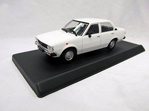 toyota-corolla-e70-massstab-143-fertigmodell-modellauto