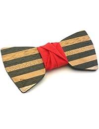 """GIGETTO Papillon in legno fatto a mano con nodo in tessuto rosso. Farfallino accessori moda matrimonio cerimonia. Cinturino regolabile in stoffa. Edizione limitata serie """"Dandy""""."""