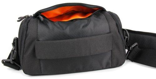 DuraGadget - Schwarz Orange Schultertasche für Ihre Nintendo Classic Mini und die SNES Mini Spielekonsole und Zubehör Schwarz-Rot