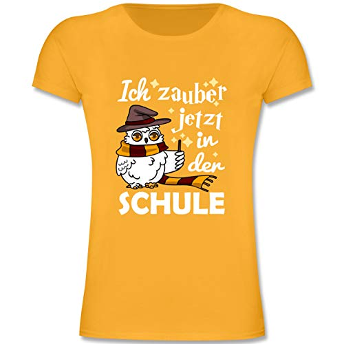 Einschulung und Schulanfang - Ich zauber jetzt in der Schule Eule mit Zauberstab - weiß - 128 (7-8 Jahre) - Gelb - F131K - Mädchen Kinder T-Shirt Da Tex Video