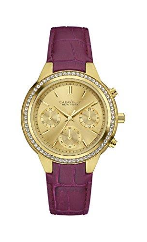 Reloj de cuarzo Caravelle New York con esfera analógica de oro y correa de piel morada para mujer 44L182