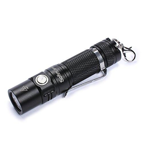 Sofirn SP10A Mini Schlüsselanhänger Taschenlampe Mit 500 Lumen, 14500 oder AA Superhelle Cree LED Lampe mit 4 Modi IPX8 Wasserfest für Kinder Camping Wandern Angeln und Notfälle(Akkus Not Inklusive) (S4 Handtasche Fällen)