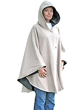 Cape reversible con capucha de forro polar y sus lados impermeable, color beige y negro